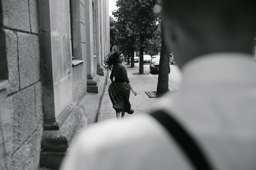 Photo of the girl made from behind Man